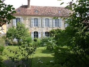 le presbytère côté jardin